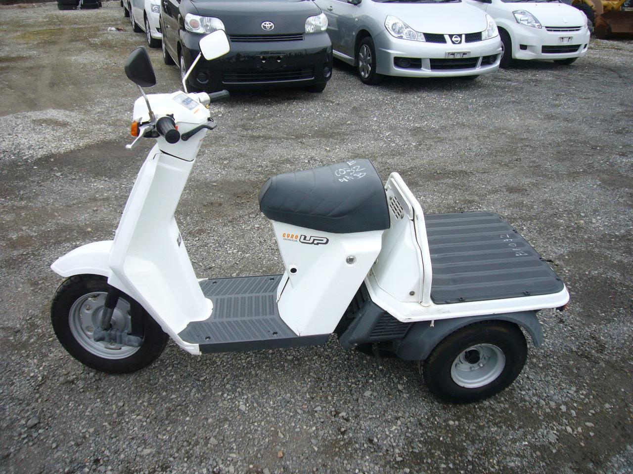 Ω Характеристики скутера Honda Gyro-UP