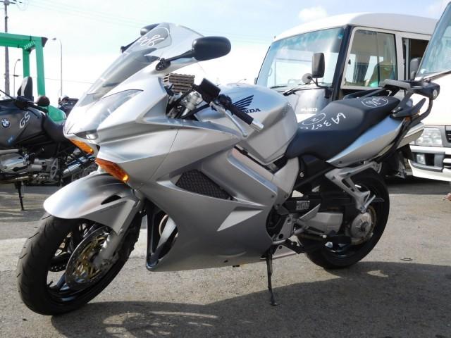 мотоциклы HONDA VFR800 фото 2 увеличить фото